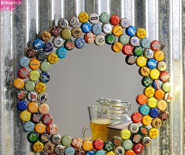 آینه تزیین شده با درب شیشه نوشابه