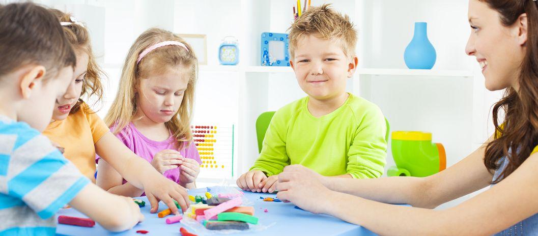 راه های سرگرم کردن کودکان در خانه