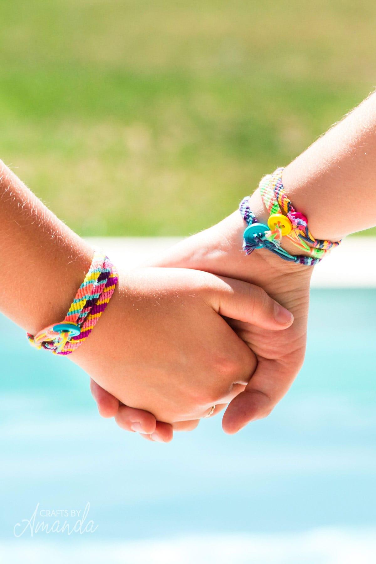 آموزش ساخت دستبند دوستی